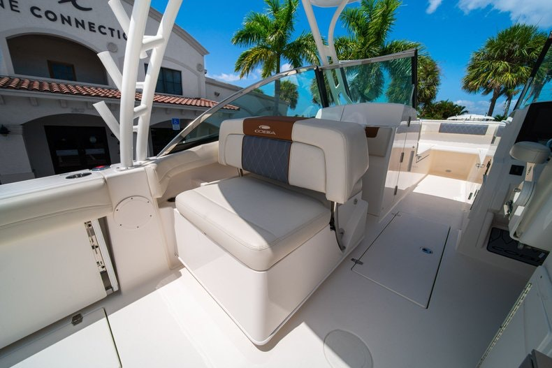 Thumbnail 20 for New 2020 Cobia 280 DC boat for sale in Vero Beach, FL