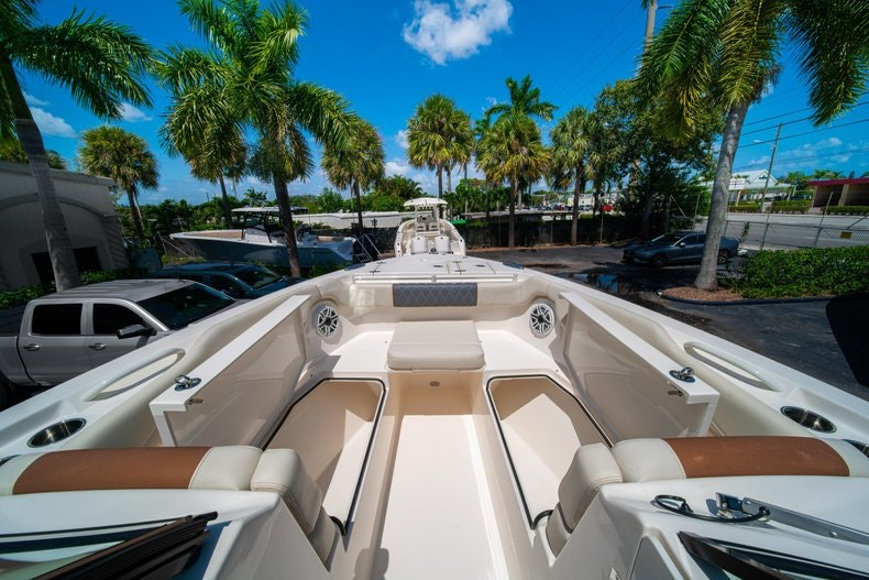 Thumbnail 42 for New 2020 Cobia 280 DC boat for sale in Vero Beach, FL