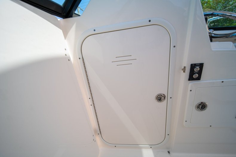 Thumbnail 39 for New 2020 Cobia 280 DC boat for sale in Vero Beach, FL