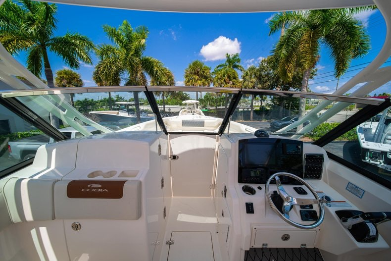 Thumbnail 38 for New 2020 Cobia 280 DC boat for sale in Vero Beach, FL