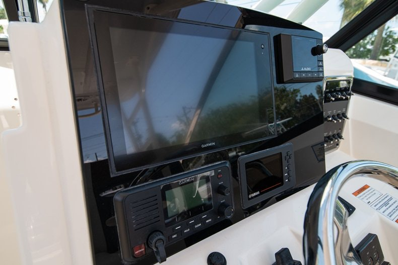 Thumbnail 28 for New 2020 Cobia 280 DC boat for sale in Vero Beach, FL