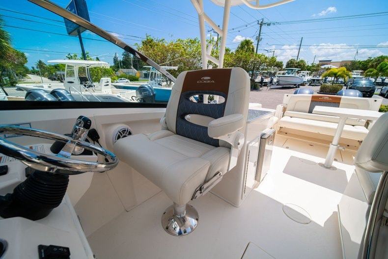 Thumbnail 31 for New 2020 Cobia 280 DC boat for sale in Vero Beach, FL