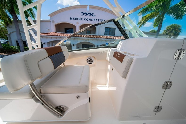 Thumbnail 32 for New 2020 Cobia 280 DC boat for sale in Vero Beach, FL