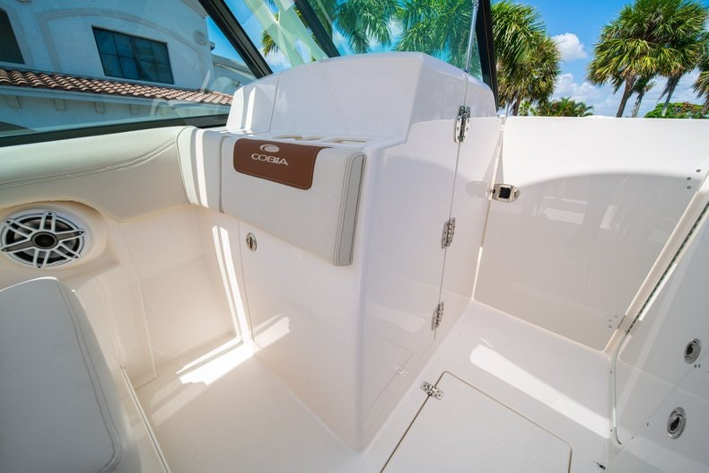 Thumbnail 34 for New 2020 Cobia 280 DC boat for sale in Vero Beach, FL