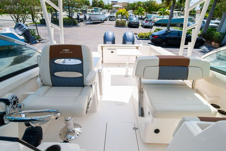 Thumbnail 36 for New 2020 Cobia 280 DC boat for sale in Vero Beach, FL
