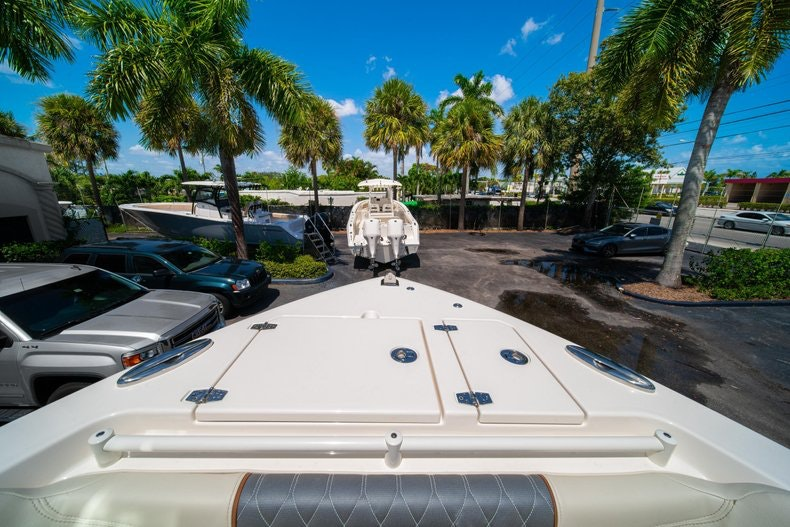 Thumbnail 44 for New 2020 Cobia 280 DC boat for sale in Vero Beach, FL
