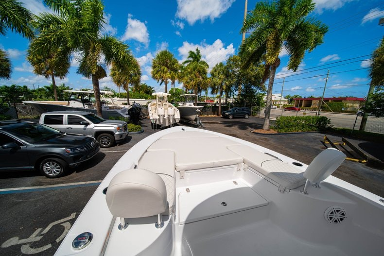 Thumbnail 36 for New 2020 Sportsman Masters 247 Bay Boat boat for sale in West Palm Beach, FL