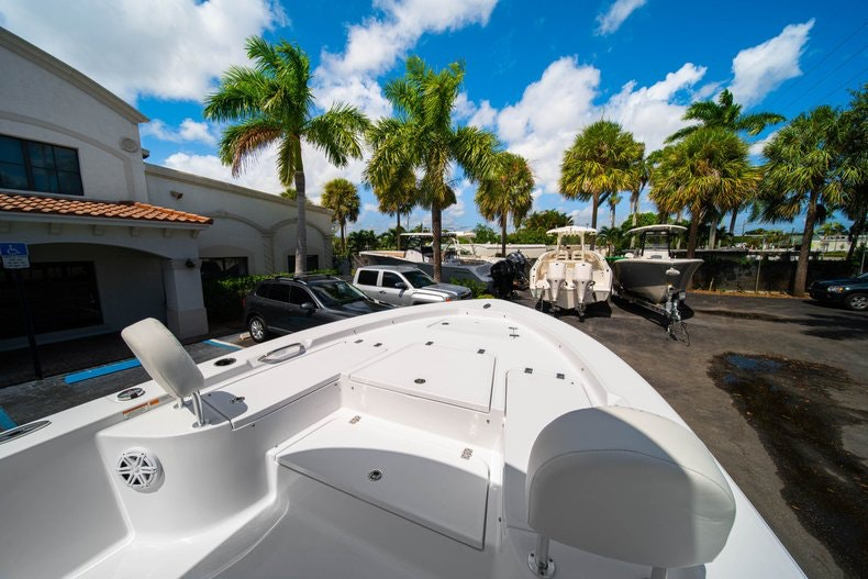 Thumbnail 33 for New 2020 Sportsman Masters 247 Bay Boat boat for sale in West Palm Beach, FL