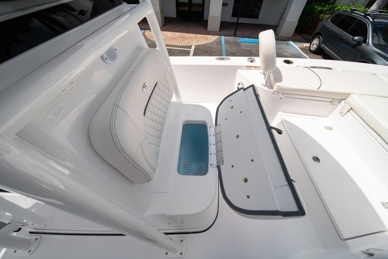 Thumbnail 38 for New 2020 Sportsman Masters 247 Bay Boat boat for sale in West Palm Beach, FL