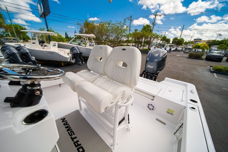 Thumbnail 29 for New 2020 Sportsman Masters 247 Bay Boat boat for sale in West Palm Beach, FL