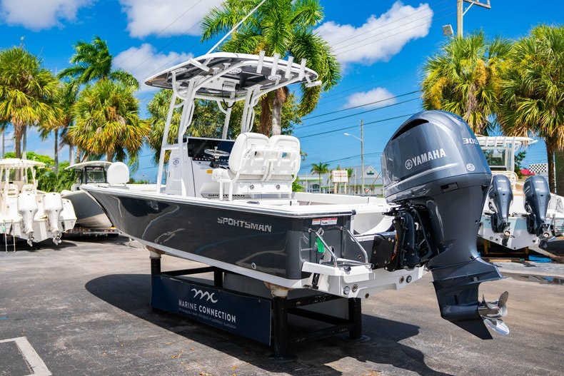 Thumbnail 5 for New 2020 Sportsman Masters 247 Bay Boat boat for sale in West Palm Beach, FL