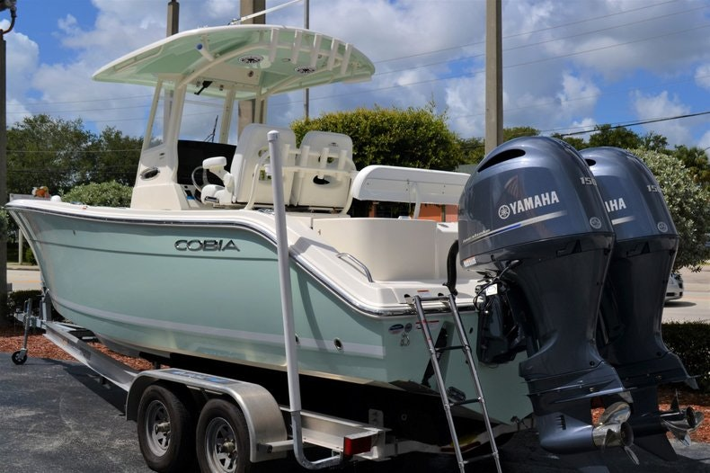 Thumbnail 3 for New 2020 Cobia 262 CC boat for sale in Vero Beach, FL