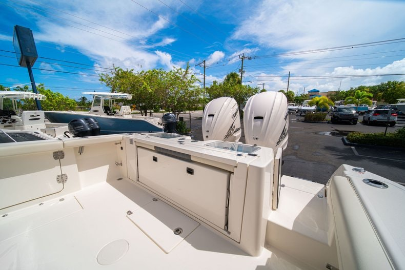 Thumbnail 13 for New 2020 Cobia 320 Center Console boat for sale in West Palm Beach, FL