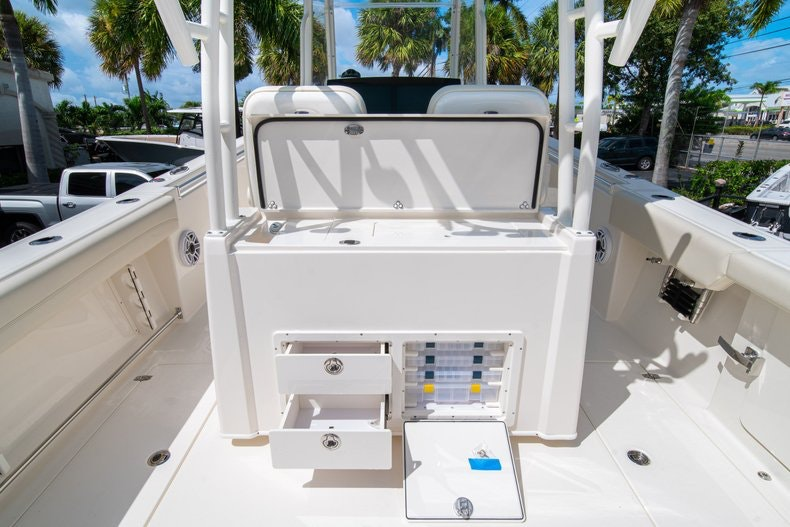 Thumbnail 18 for New 2020 Cobia 320 Center Console boat for sale in West Palm Beach, FL