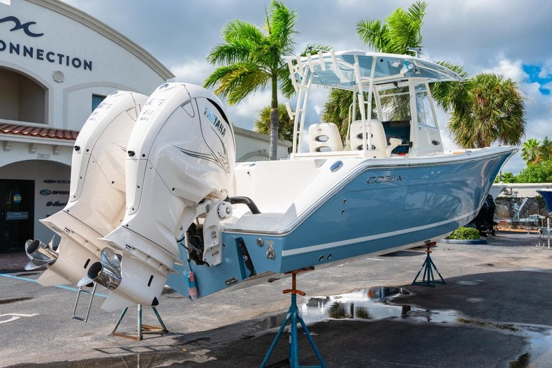 Thumbnail 7 for New 2020 Cobia 320 Center Console boat for sale in West Palm Beach, FL
