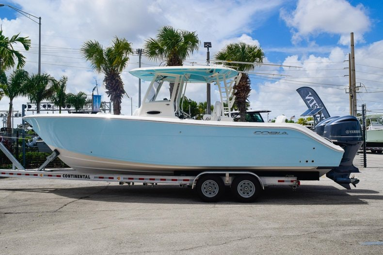 Thumbnail 4 for New 2020 Cobia 301 CC Center Console boat for sale in Fort Lauderdale, FL