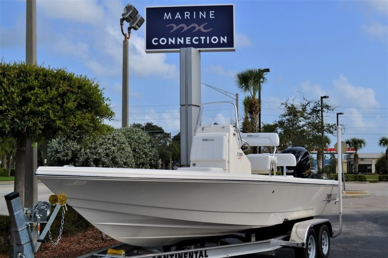 Thumbnail 1 for New 2020 Pathfinder 2300 HPS Bay Boat boat for sale in Vero Beach, FL