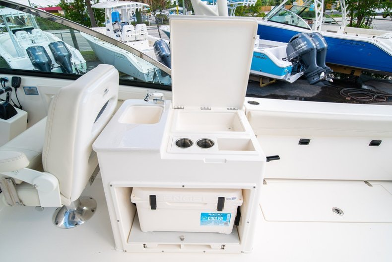 Thumbnail 24 for New 2020 Cobia 280 DC boat for sale in West Palm Beach, FL