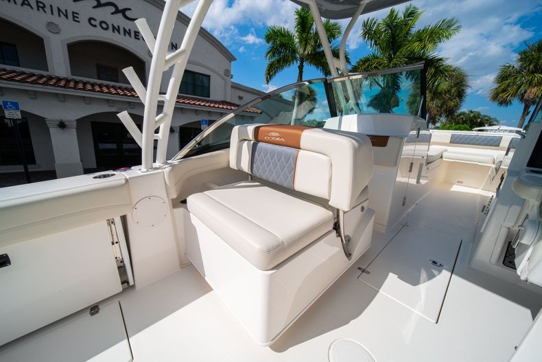 Thumbnail 25 for New 2020 Cobia 280 DC boat for sale in West Palm Beach, FL