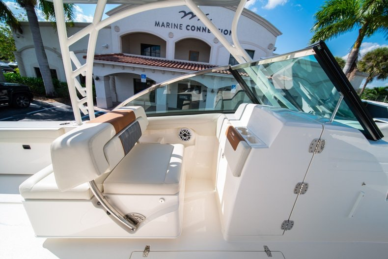 Thumbnail 29 for New 2020 Cobia 280 DC boat for sale in West Palm Beach, FL