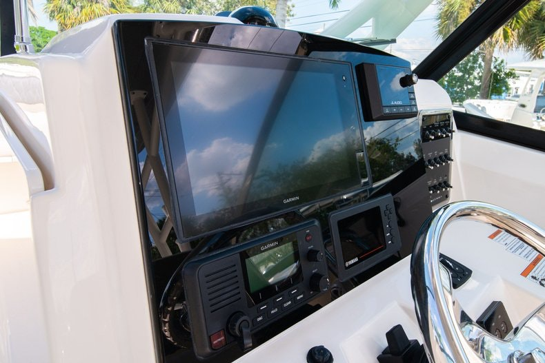 Thumbnail 31 for New 2020 Cobia 280 DC boat for sale in West Palm Beach, FL