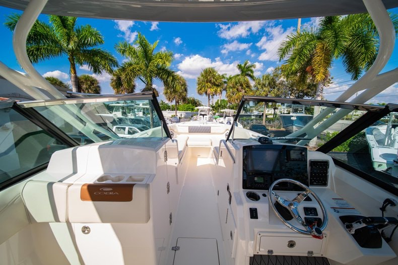 Thumbnail 38 for New 2020 Cobia 280 DC boat for sale in West Palm Beach, FL
