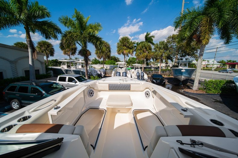 Thumbnail 43 for New 2020 Cobia 280 DC boat for sale in West Palm Beach, FL