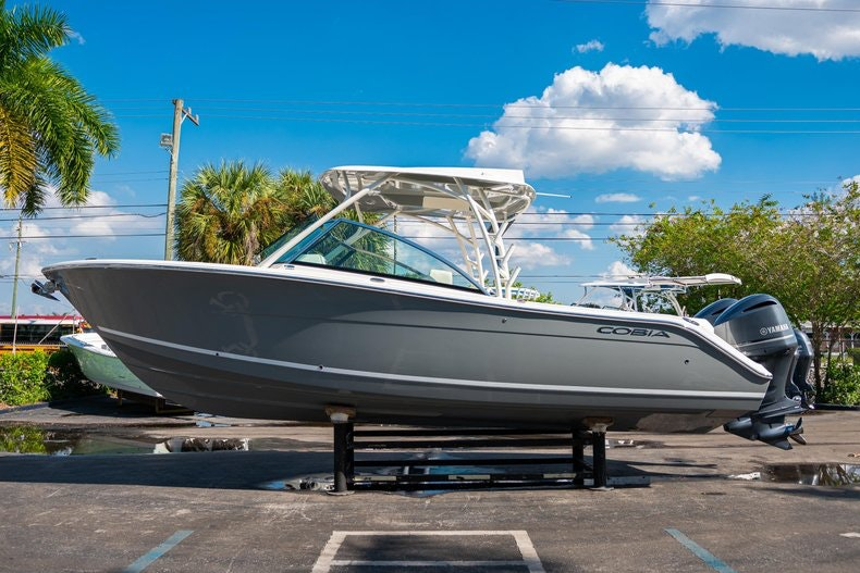 Thumbnail 4 for New 2020 Cobia 280 DC boat for sale in West Palm Beach, FL