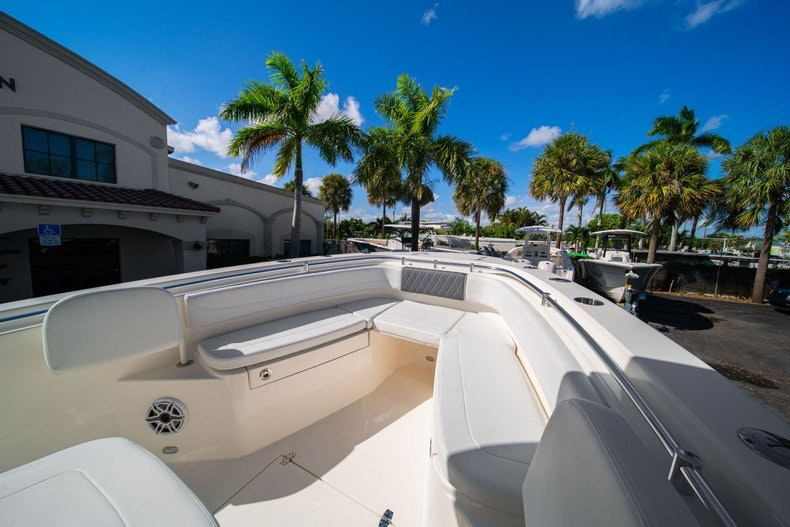 Thumbnail 30 for New 2020 Cobia 262 Center Console boat for sale in West Palm Beach, FL