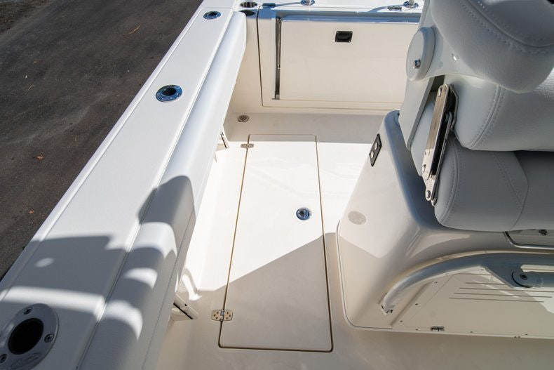 Thumbnail 14 for New 2020 Cobia 262 Center Console boat for sale in West Palm Beach, FL