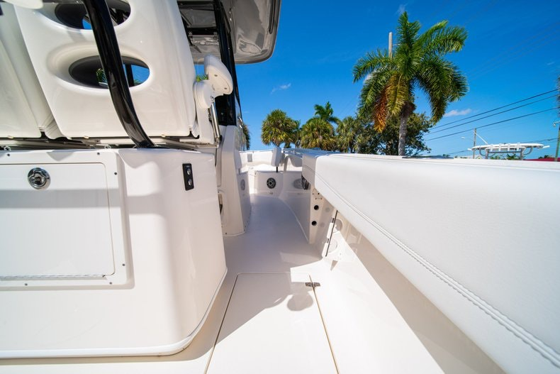 Thumbnail 14 for New 2020 Cobia 262 boat for sale in Miami, FL