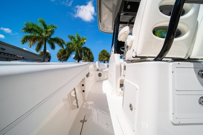 Thumbnail 15 for New 2020 Cobia 262 boat for sale in Miami, FL