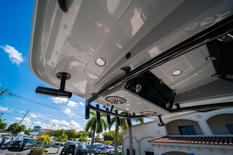 Thumbnail 32 for New 2020 Cobia 262 boat for sale in Miami, FL