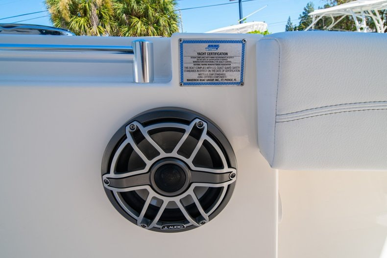 Thumbnail 33 for New 2020 Cobia 262 boat for sale in Miami, FL