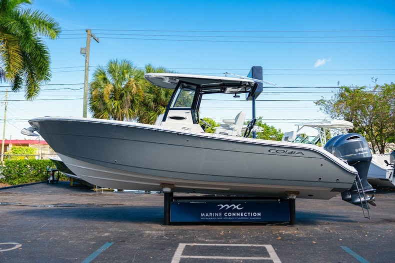 Thumbnail 4 for New 2020 Cobia 262 boat for sale in Miami, FL