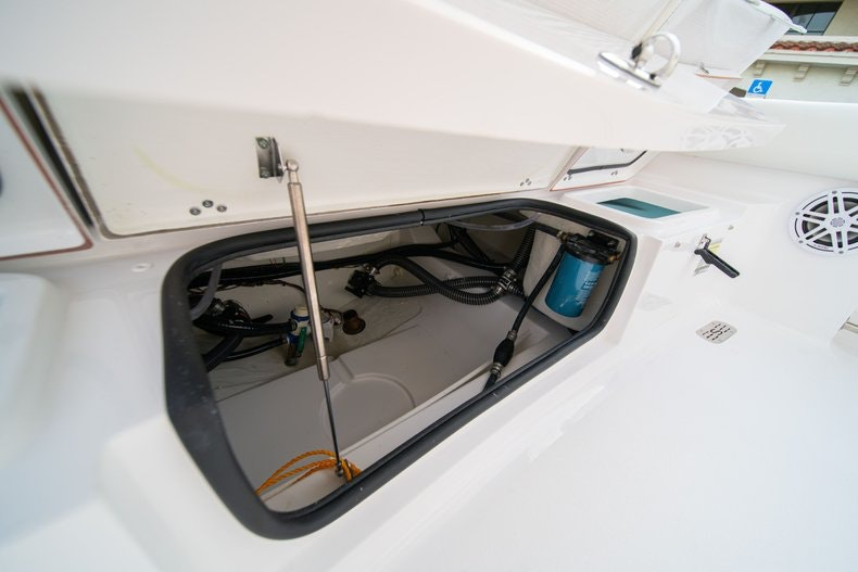 Thumbnail 11 for New 2020 Sportsman Heritage 211 Center Console boat for sale in West Palm Beach, FL