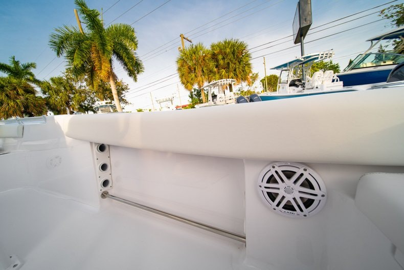Thumbnail 14 for New 2020 Sportsman Heritage 211 Center Console boat for sale in West Palm Beach, FL