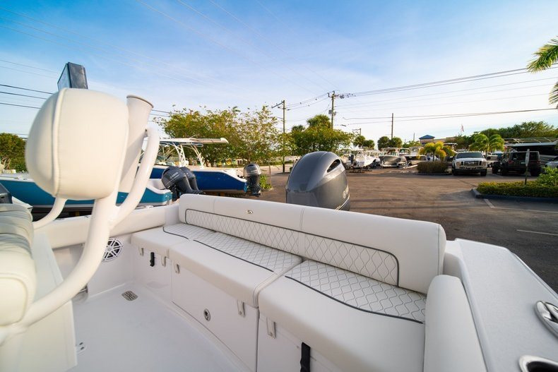 Thumbnail 12 for New 2020 Sportsman Heritage 211 Center Console boat for sale in West Palm Beach, FL