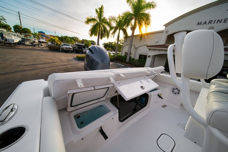 Thumbnail 10 for New 2020 Sportsman Heritage 211 Center Console boat for sale in West Palm Beach, FL