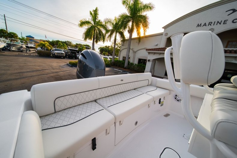 Thumbnail 9 for New 2020 Sportsman Heritage 211 Center Console boat for sale in West Palm Beach, FL
