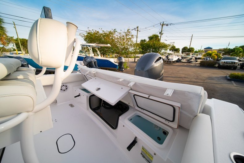 Thumbnail 13 for New 2020 Sportsman Heritage 211 Center Console boat for sale in West Palm Beach, FL