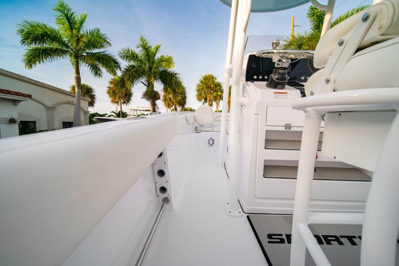 Thumbnail 17 for New 2020 Sportsman Heritage 211 Center Console boat for sale in West Palm Beach, FL