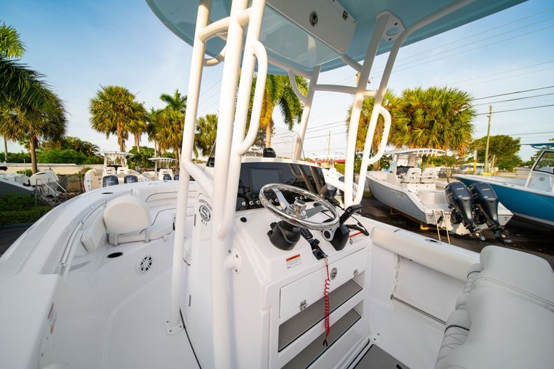 Thumbnail 24 for New 2020 Sportsman Heritage 211 Center Console boat for sale in West Palm Beach, FL