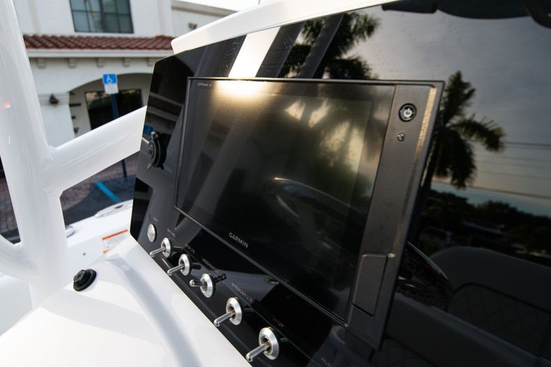 Thumbnail 23 for New 2020 Sportsman Heritage 211 Center Console boat for sale in West Palm Beach, FL