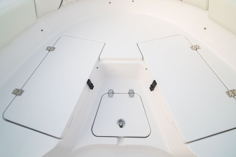 Thumbnail 33 for New 2020 Sportsman Heritage 211 Center Console boat for sale in West Palm Beach, FL