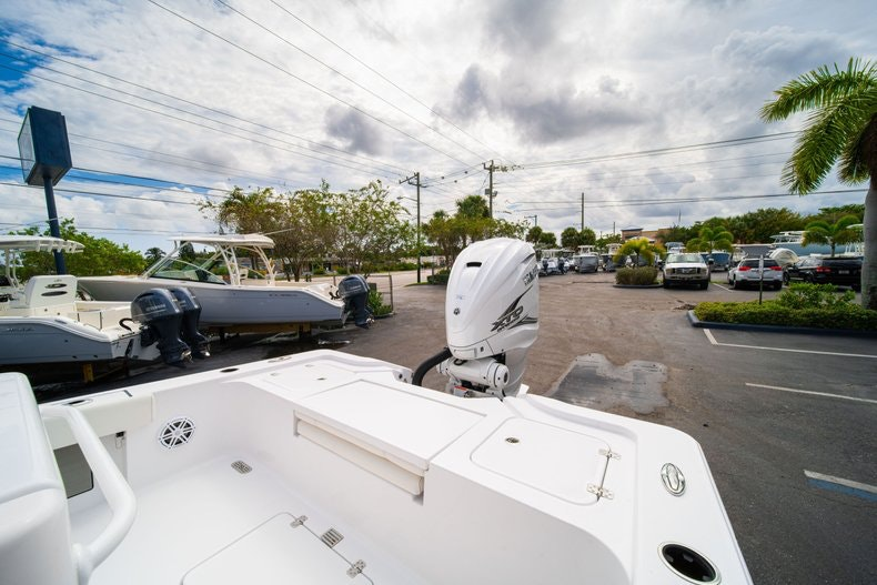 Thumbnail 13 for New 2020 Sportsman Masters 267OE Bay Boat boat for sale in West Palm Beach, FL