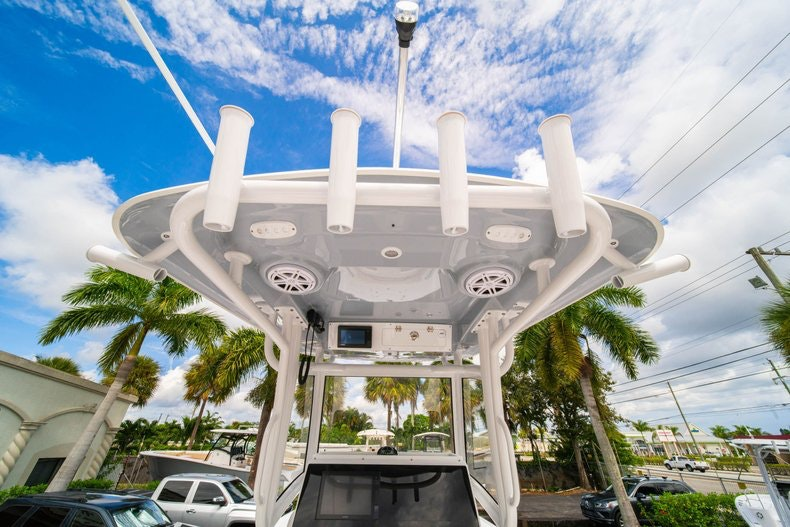 Thumbnail 17 for New 2020 Sportsman Masters 267OE Bay Boat boat for sale in West Palm Beach, FL