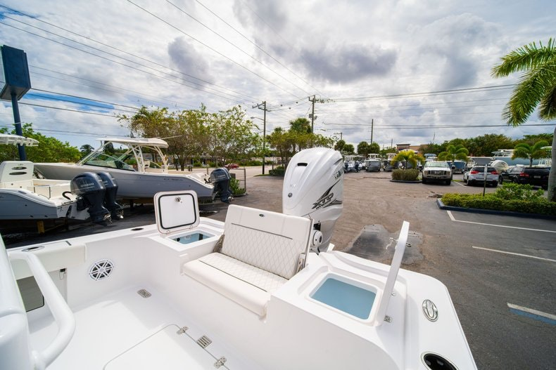 Thumbnail 14 for New 2020 Sportsman Masters 267OE Bay Boat boat for sale in West Palm Beach, FL