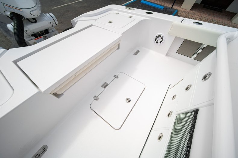 Thumbnail 15 for New 2020 Sportsman Masters 267OE Bay Boat boat for sale in West Palm Beach, FL