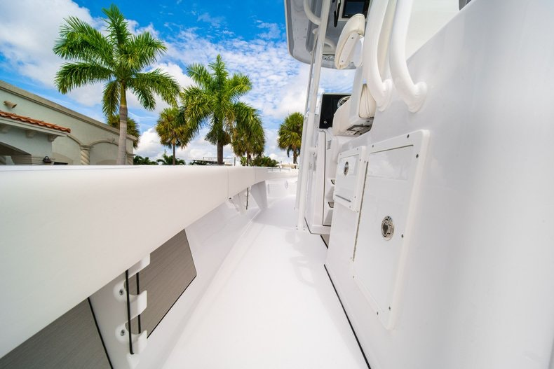 Thumbnail 21 for New 2020 Sportsman Masters 267OE Bay Boat boat for sale in West Palm Beach, FL